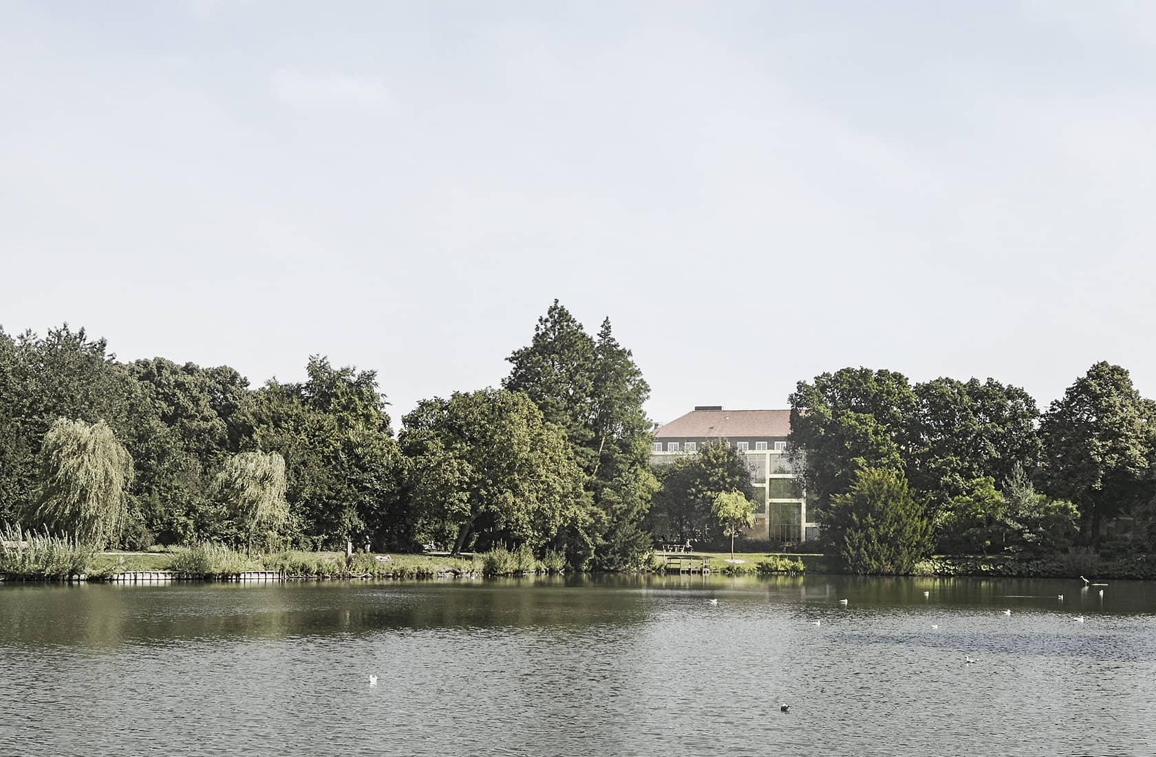 Kulturcenter Kildevæld fra vandsiden