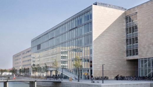 KU Sønder Campus facade med bro