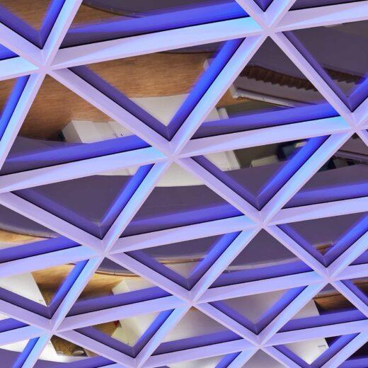 Novo Nordisk lysdesign blåt ovenlys