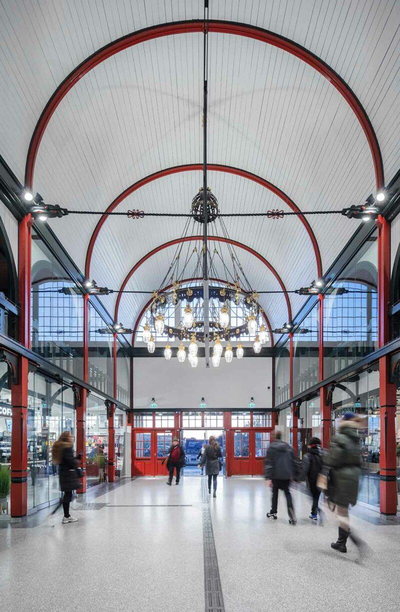 Østerport Station lysekrone