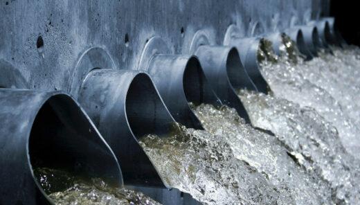 Rør udleder spildevand