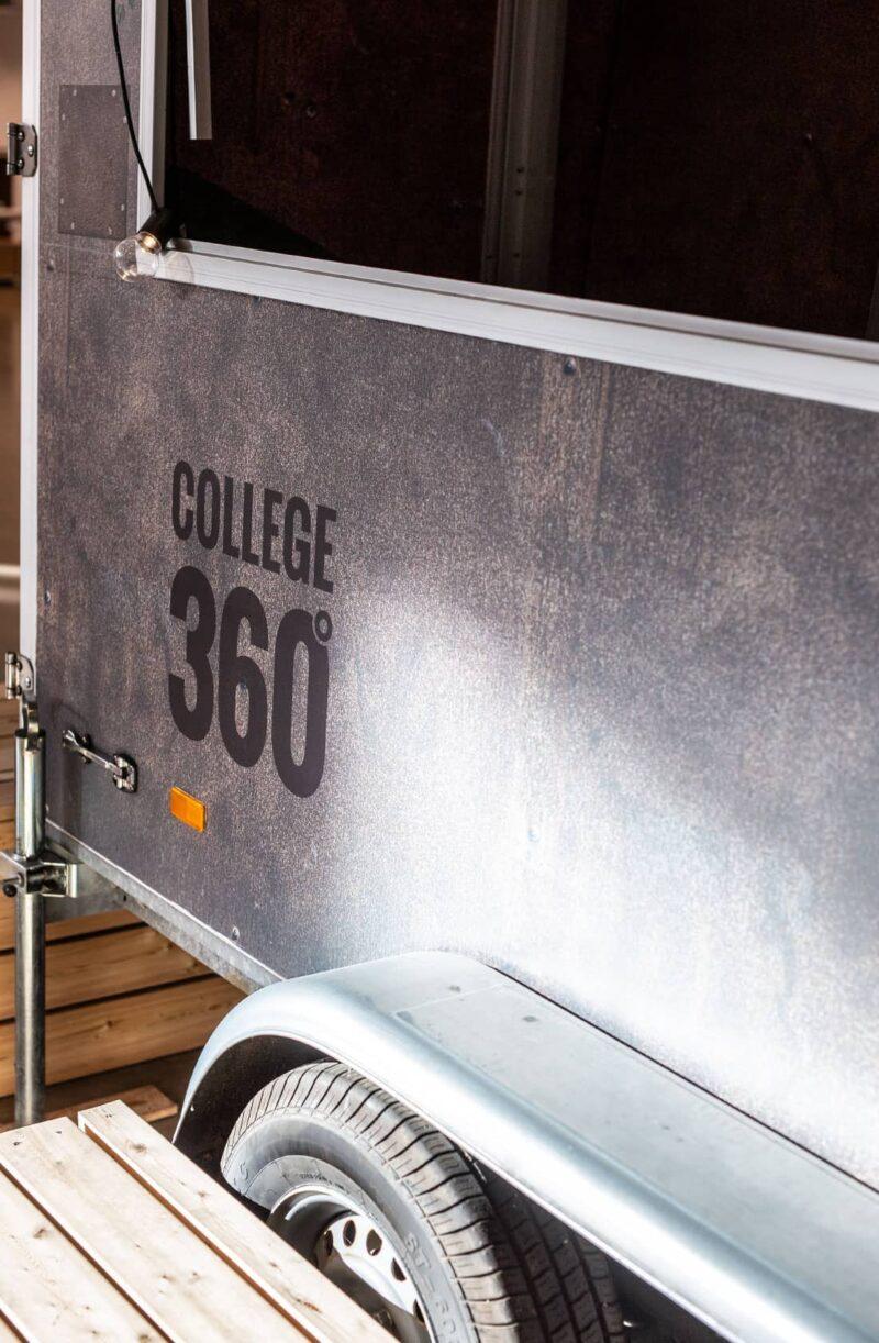 Trailer med logo, College360