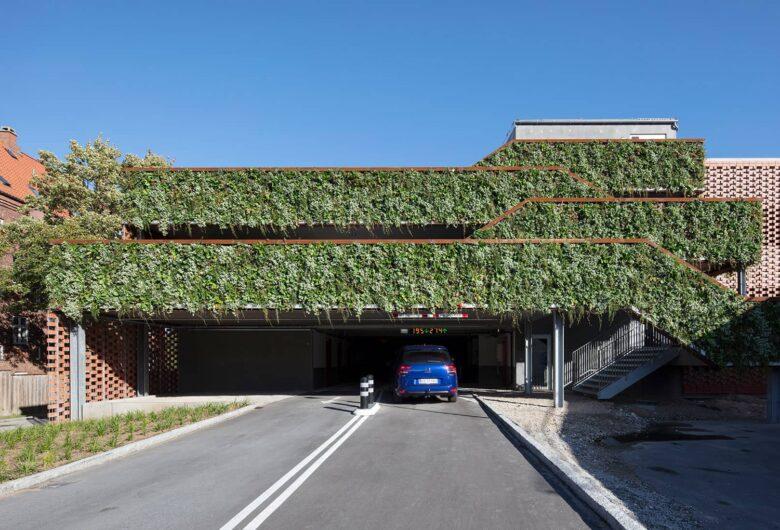 Grøn facade på P-hus Sortebrødre Plads