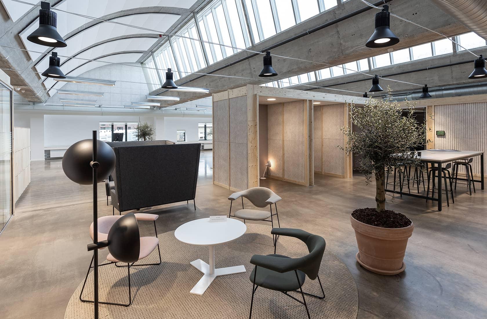 Loungeområde i Swecos kontor i Willemoesgade