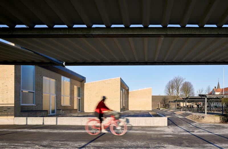 Cyklist ved St. Magleby Skole
