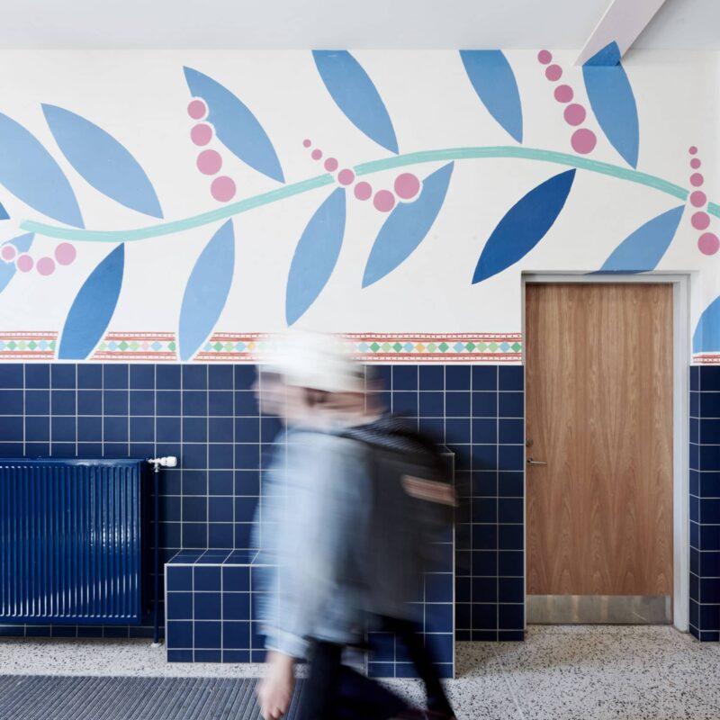 Poul Gernes på Vestervangskolens vægge